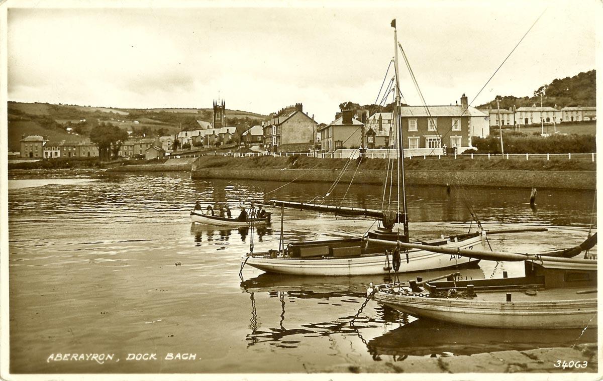 2-Dock-Bach-Aberaeron-1910.jpg
