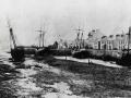 2-Sailing-vessels-at-low-tide-pre-1914.jpg