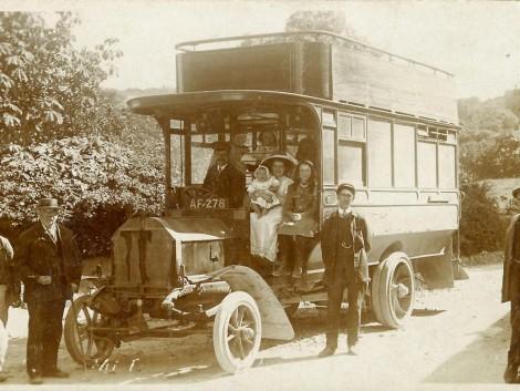 Aberaeron bus in Ciliau Aeron, 1908 12