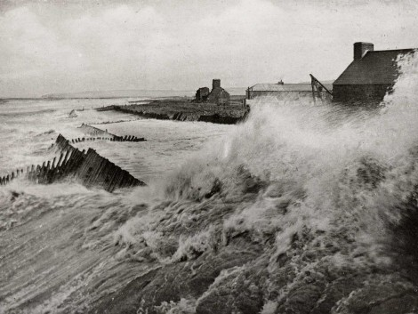 2-Fierce-storm-hits-harbour,-pre-1914